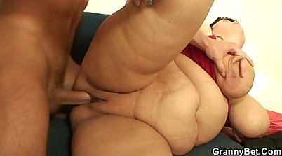 Busty BBW pussy stretched and fucked