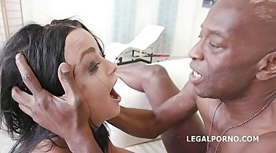 Squirting babe in double anal