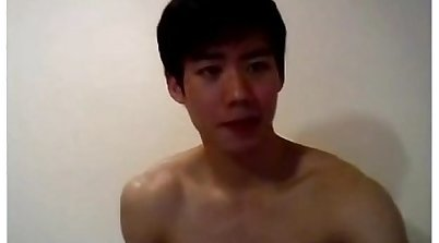 Korean fucker jerks off to horny
