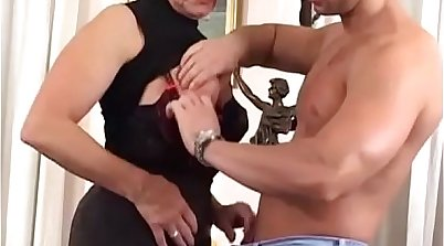 Young camgirl she named Tracy Whig stuffs big boobs juicy hairy pussy mom