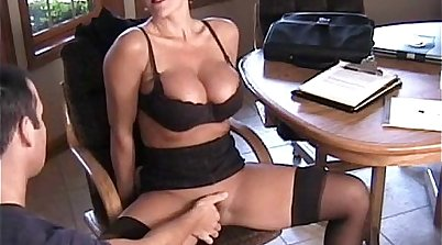 hotties play with toys and squirt