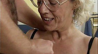 Mature slut Luzley crazy pornaut