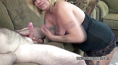 Sexy mature BBW loves swallowing a cock