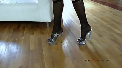 Intense and wild thigh gaping adventure! Get your wet toying