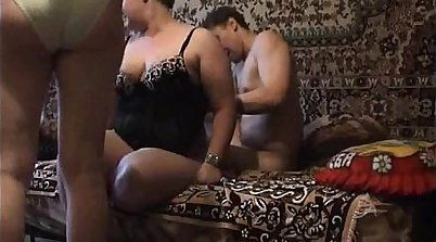 Chubby mature amateurs gangbanging hard